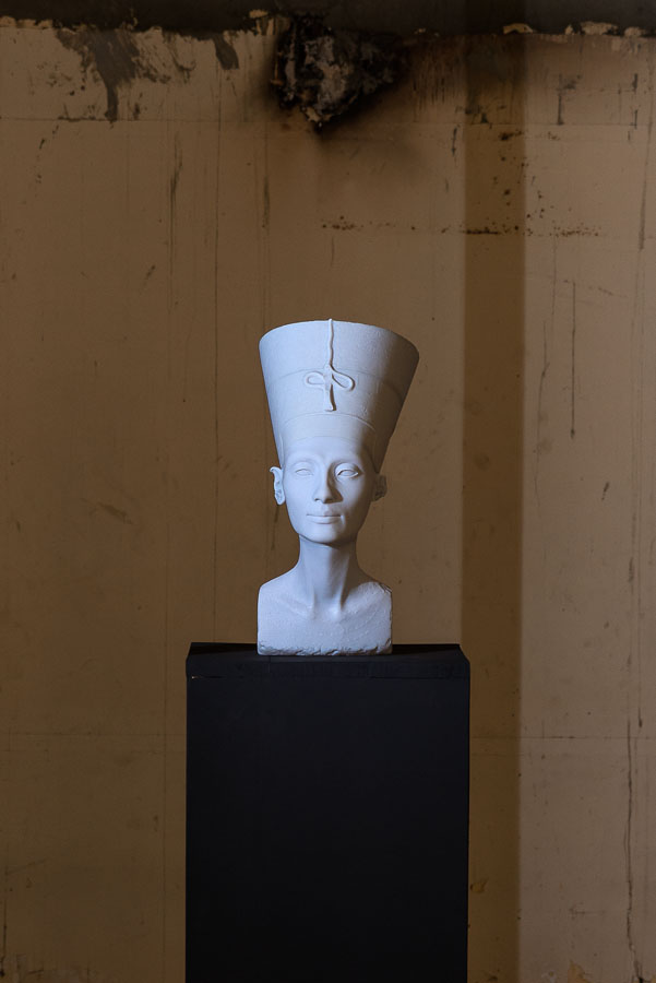 Figure 7 'The Other Nefertiti,' installation at the Something Else Off Biennale in Cairo.