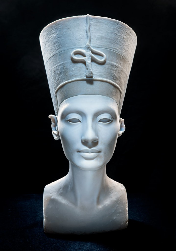Figure 6 'The Other Nefertiti,' footnote 24.